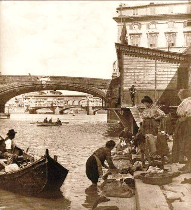 At work by the Arno in a photo from 1896