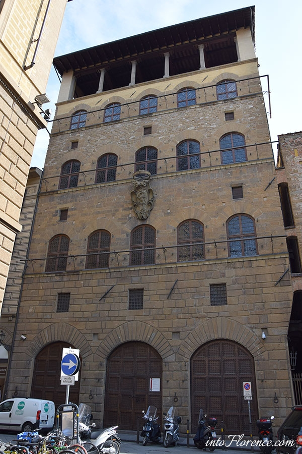 palazzo-davanzati-florence-1
