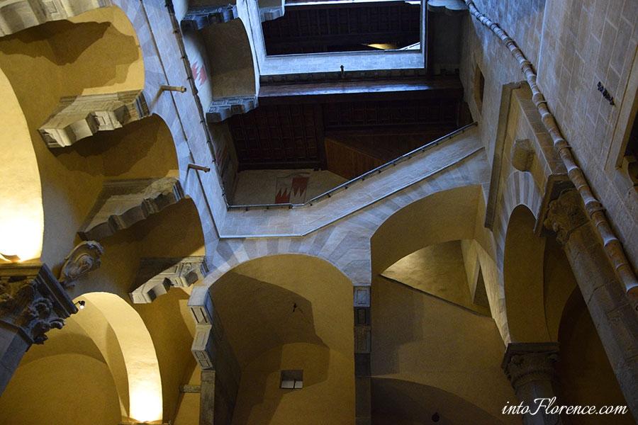 palazzo-davanzati-florence-2